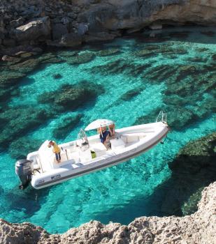 Raft and boat rental Cala Gonone Sardinia